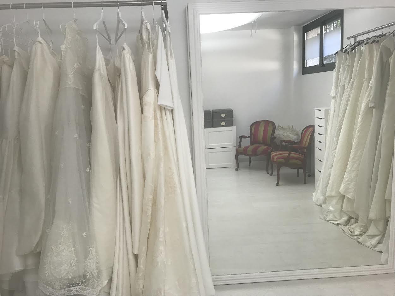 fedb6f22c Carmen Halffter, atelier de vestidos de novia con otro aire - Blog ...